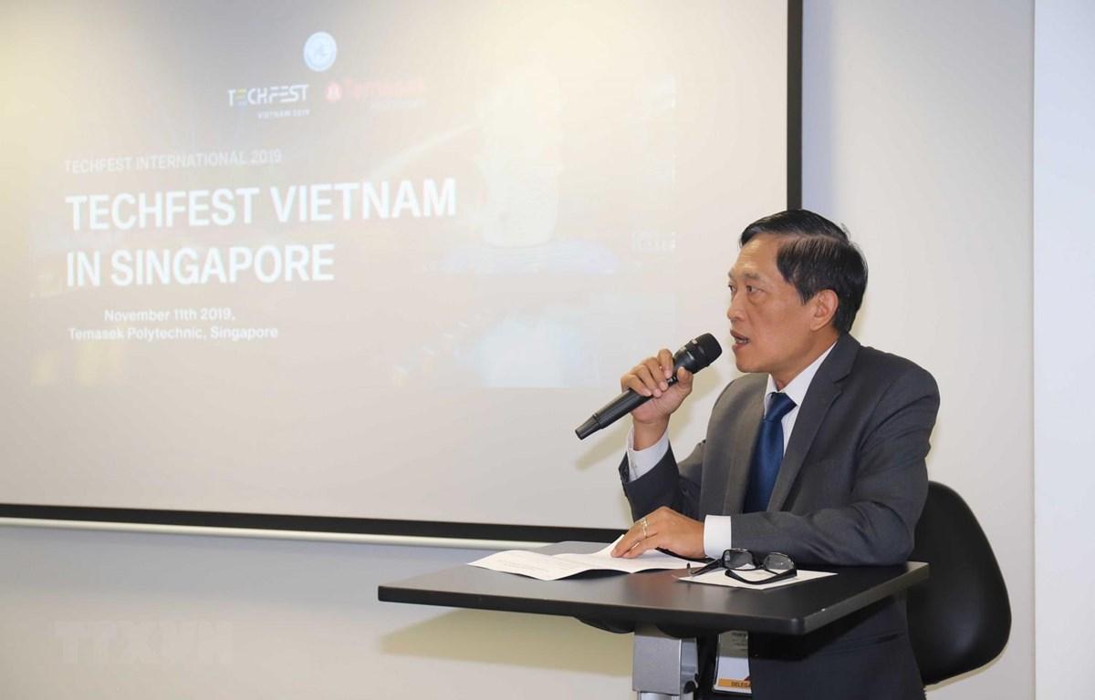 Thứ trưởng Bộ Khoa học và Công nghệ Việt Nam Trần Văn Tùng phát biểu khai mạc chương trình. (Ảnh: Xuân Vịnh/TTXVN)
