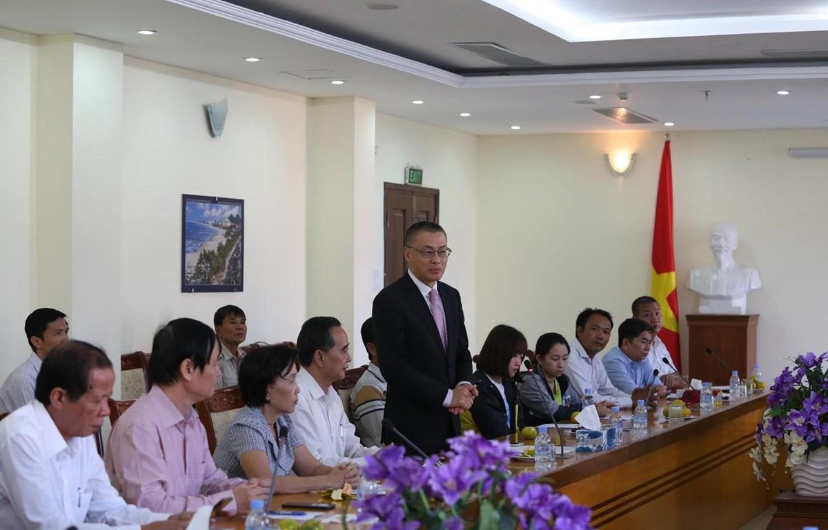 Đại sứ Vũ Quang Minh tuyên bố thành lập Quỹ phát triển nguồn nhân lực trong cộng đồng người gốc Việt tại Campuchia. (Ảnh: Long-Hùng-Nhung/Vietnam+)