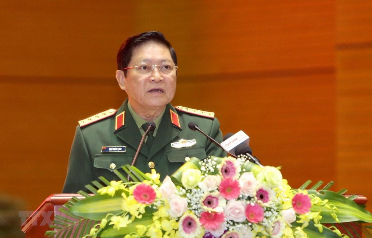 Đại tướng Ngô Xuân Lịch, Bộ trưởng Bộ Quốc phòng phát biểu tại hội thảo. (Ảnh: Dương Giang/TTXVN)