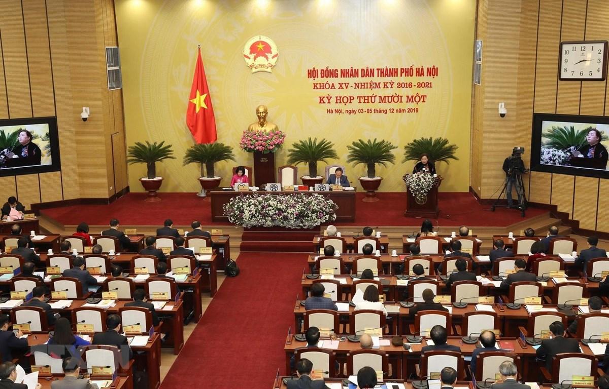 Chủ tịch HĐNĐ Thành phố Hà Nội Nguyễn Thị Bích Ngọc phát biểu khai mạc. (Ảnh: Lâm Khánh/TTXVN)