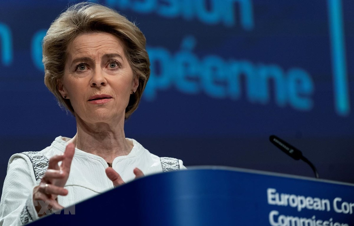 Chủ tịch Ủy ban châu Âu (EC) Ursula von der Leyen tại cuộc họp báo ở Brussels, Bỉ, ngày 4/12. (Ảnh: TTXVN phát)