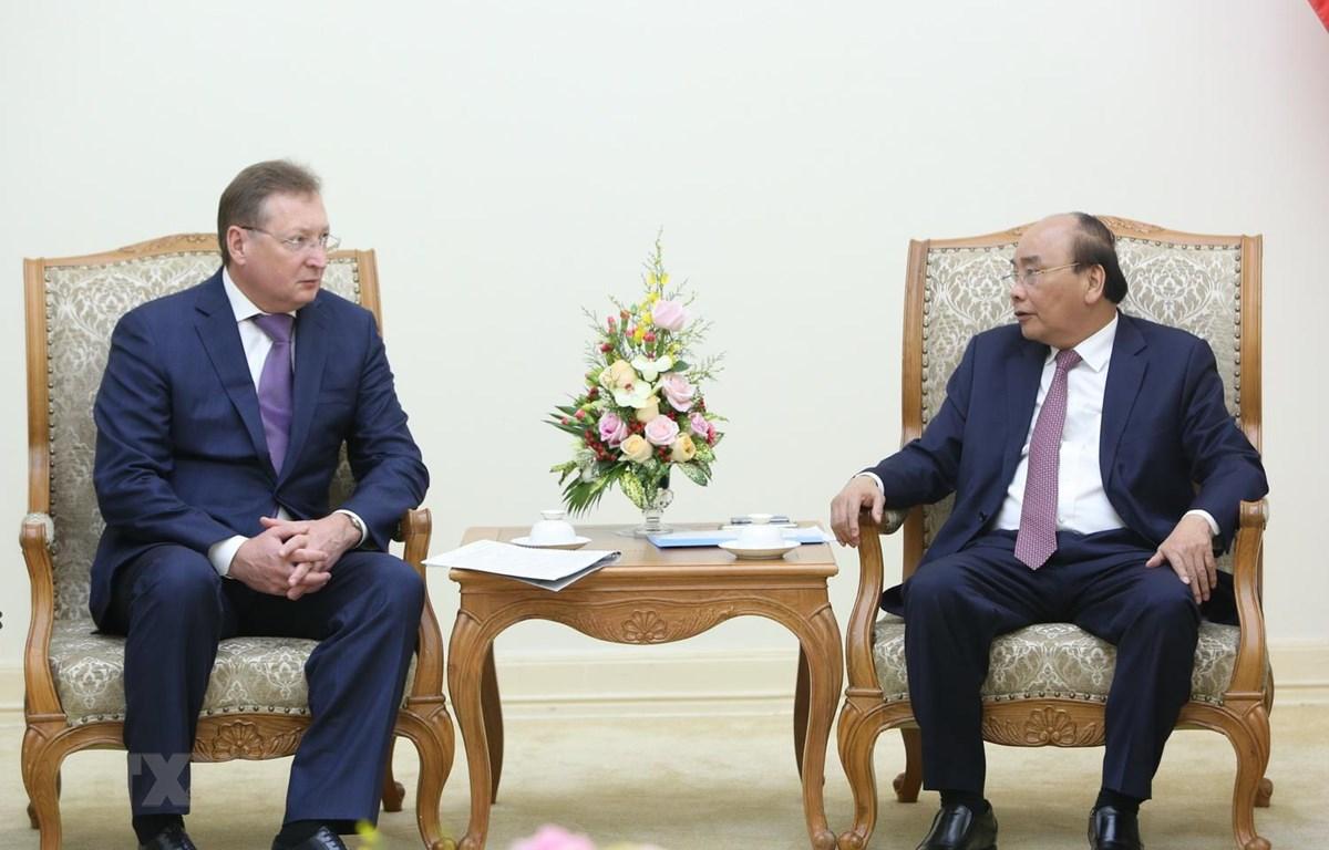 Thủ tướng Nguyễn Xuân Phúc tiếp ông Sergei Ivanovich Kudryasov, Tổng Giám đốc Tập đoàn Dầu khí Zarubezhneft của Liên bang Nga. (Ảnh: Dương Giang/TTXVN)
