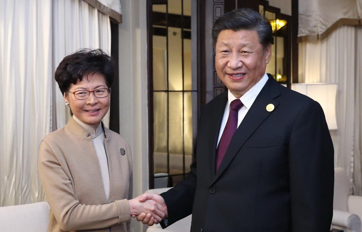 Chủ tịch Trung Quốc Tập Cận Bình đã gặp Trưởng Đặc khu Hành chính Lâm Trịnh Nguyệt Nga. (Nguồn: Xinhua)