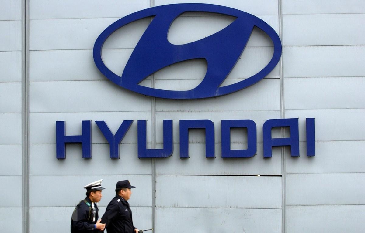 Biểu tượng Hyundai tại trụ sở của tập đoàn này ở Seoul của Hàn Quốc. (Ảnh: AFP/TTXVN)