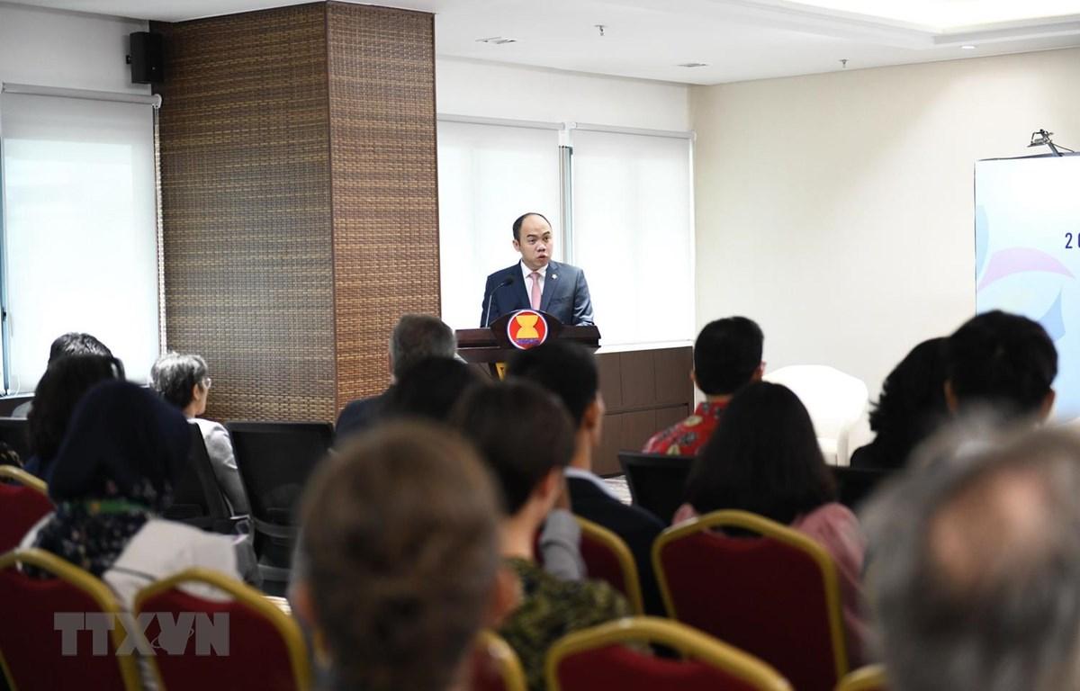 Phó Tổng thư ký phụ trách Cộng đồng văn hóa xã hội ASEAN, Kung Phoak Phát biểu khai mạc. (Ảnh: TTXVN phát)