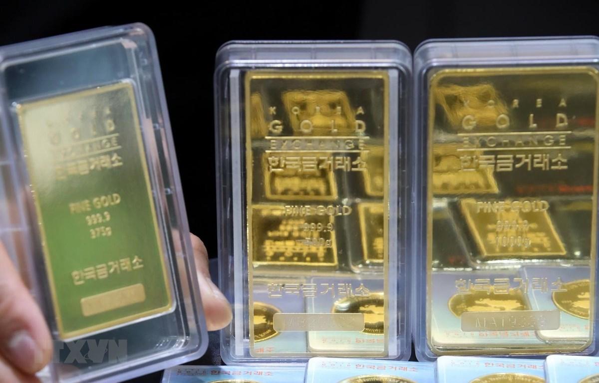 Vàng miếng tại một sàn giao dịch ở Seoul của Hàn Quốc. (Ảnh: Yonhap/TTXVN)