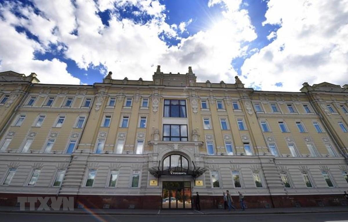 Trụ sở tập đoàn dầu khí Rosneft tại Moskva của Nga. (Ảnh: AFP/TTXVN)