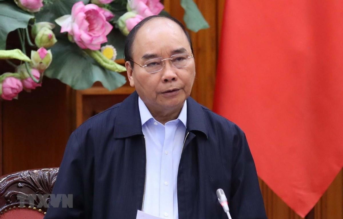 Thủ tướng Nguyễn Xuân Phúc phát biểu tại phiên họp Thường trực Chính phủ về việc đối phó với dịch COVID-19 đang có diễn biến ngày càng phức tạp. (Ảnh: Thống Nhất/TTXVN)