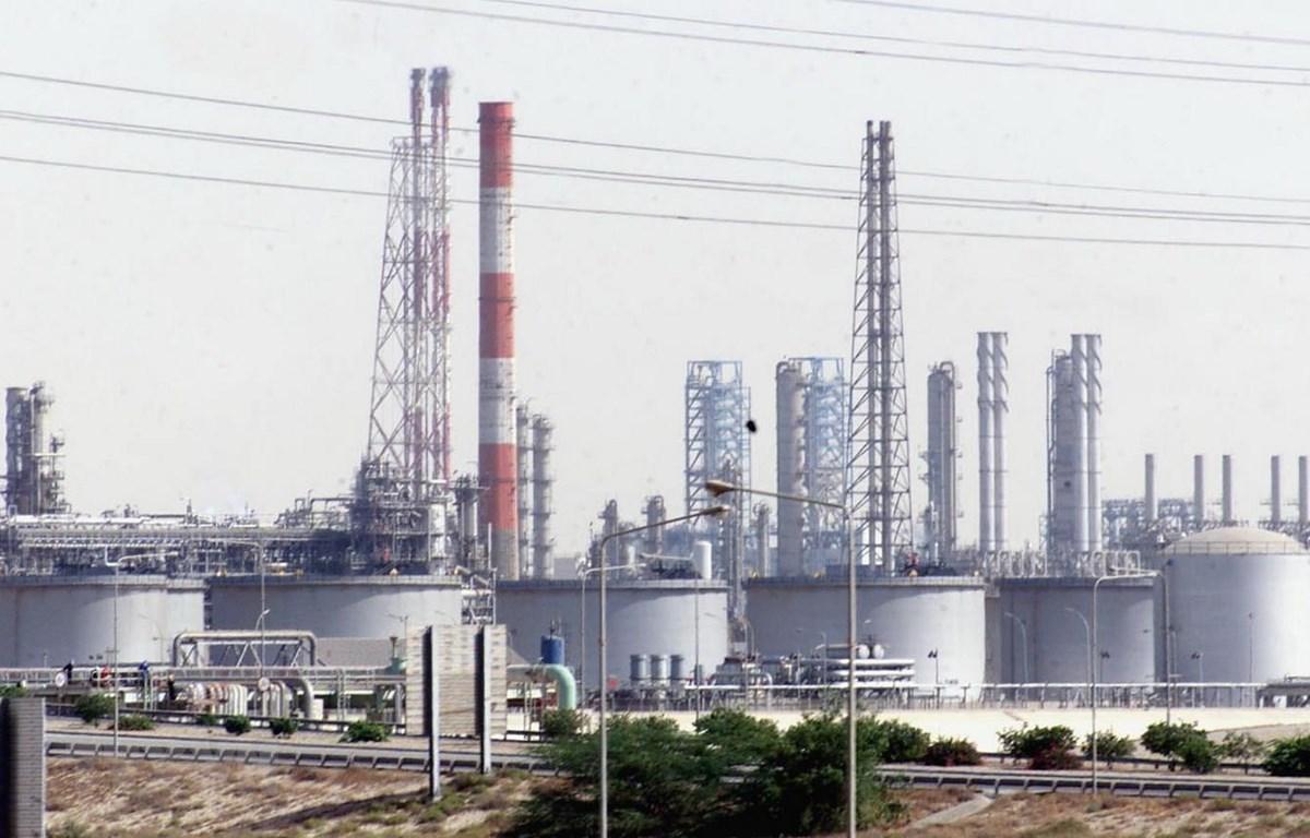 Một cơ sở khai thác dầu tại cảng Jubail, Saudi Arabia. (Ảnh: AFP/TTXVN)