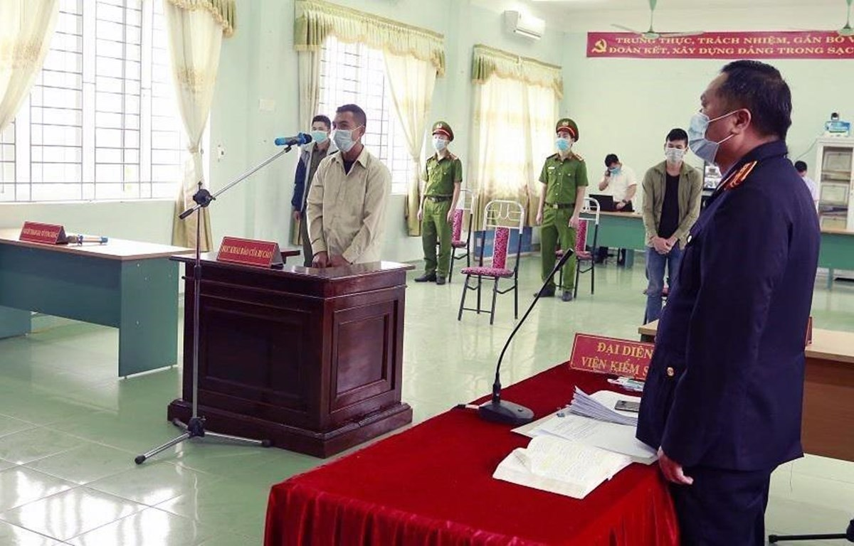 Quang cảnh phiên tòa xét xử bị cáo Đào Xuân Anh. (Ảnh: TTXVN phát)