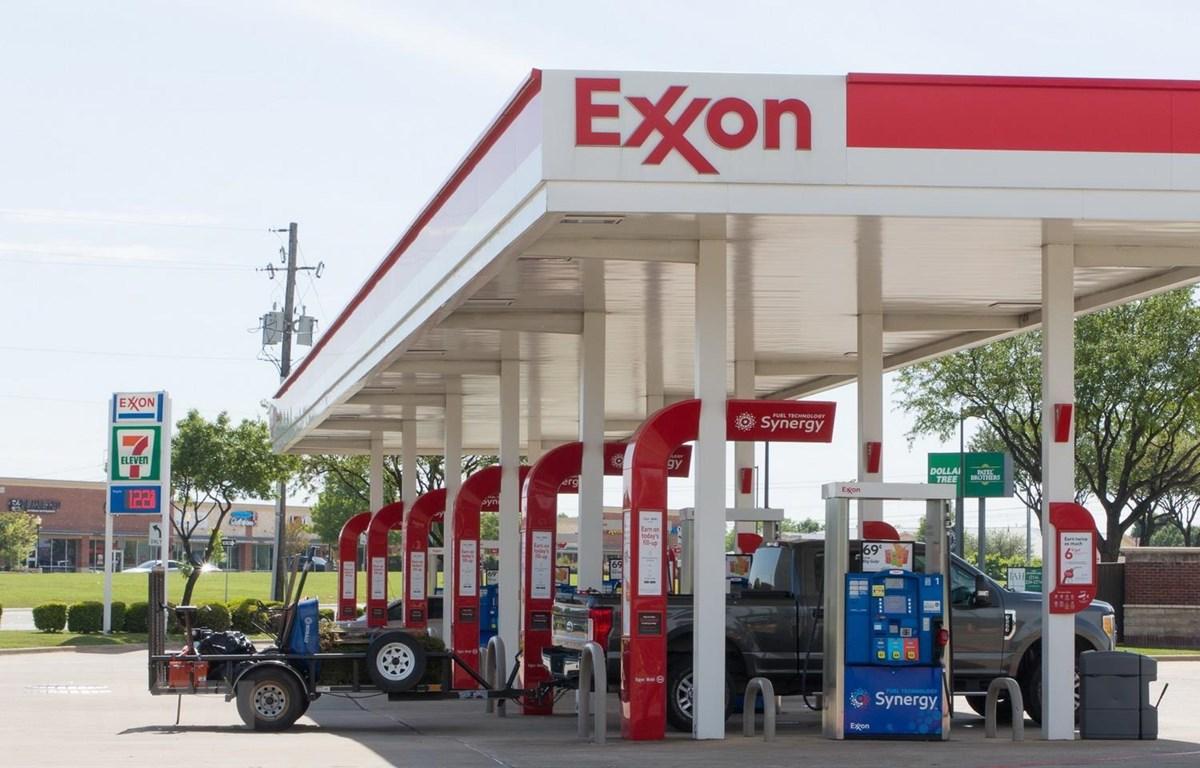 Một trạm bán xăng ở Plano, Texas, Mỹ ngày 20/4 vừa qua. (Ảnh: THX/TTXVN)