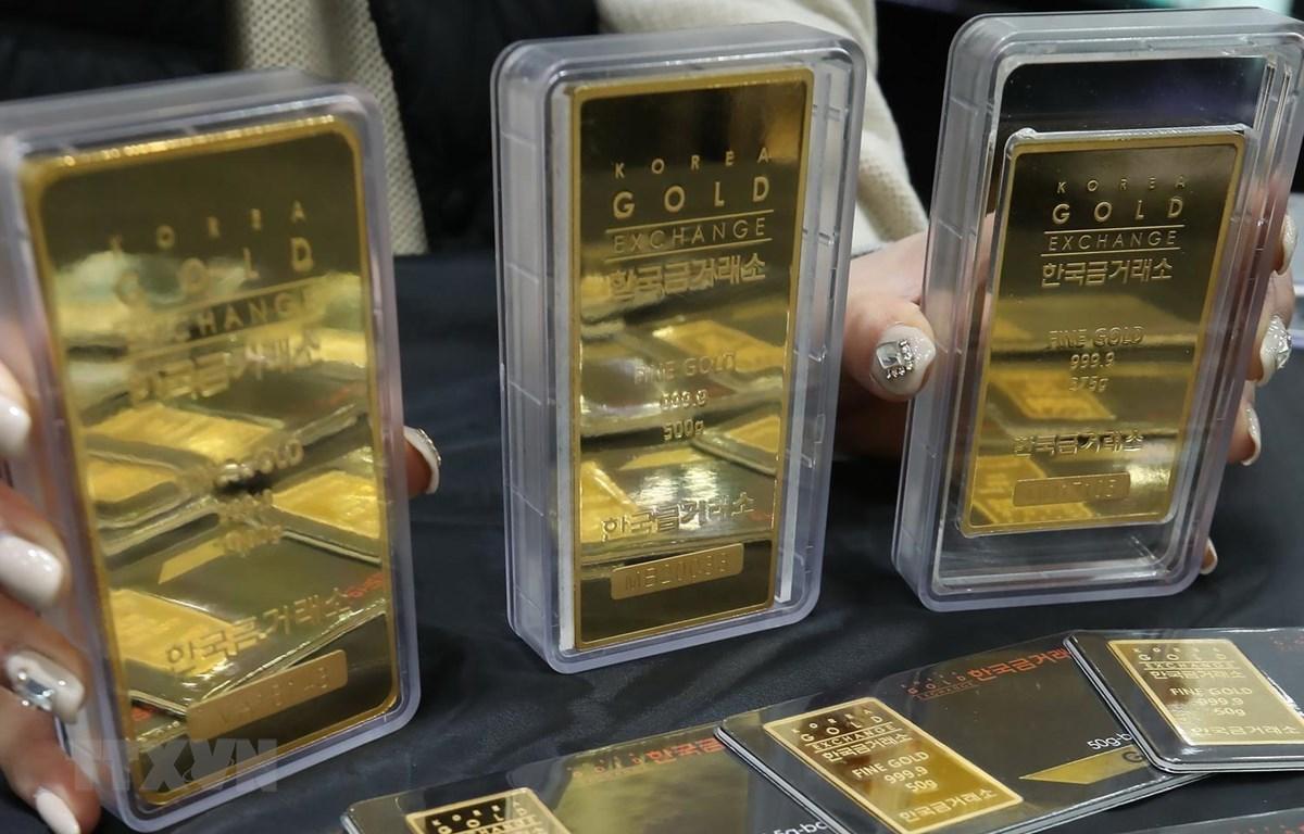 Vàng miếng tại một sàn giao dịch. (Ảnh: Yonhap/TTXVN)