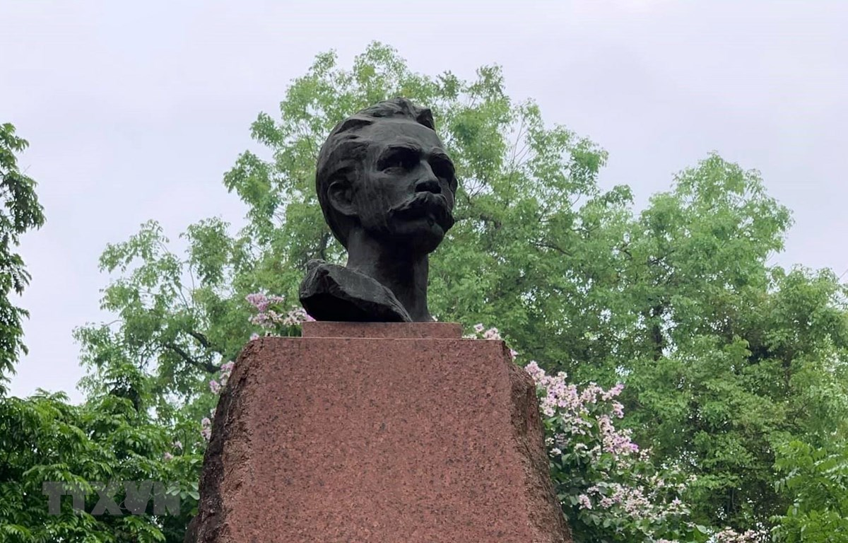 Tượng đài José Martí tại vườn hoa Tao Đàn, Hà Nội. (Ảnh: TTXVN)
