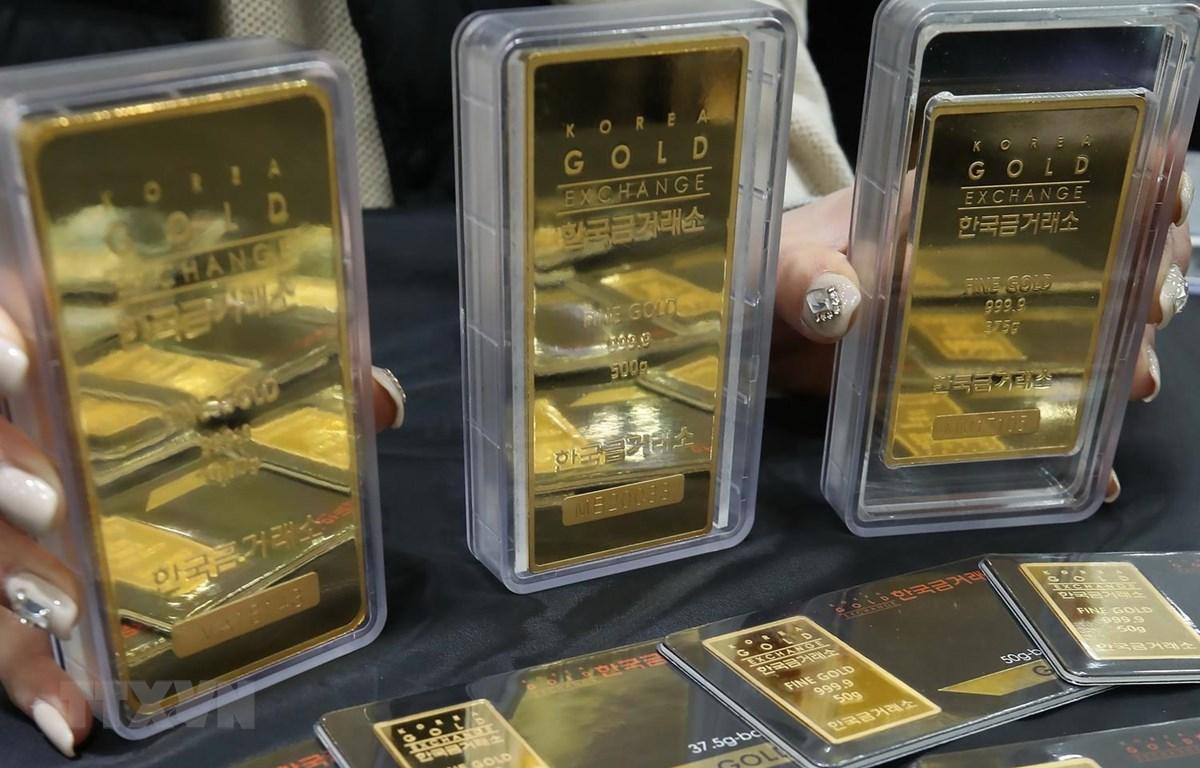 Vàng miếng tại một sàn giao dịch ở Seoul, Hàn Quốc ngày 17/4 vừa qua. (Ảnh: Yonhap/TTXVN)