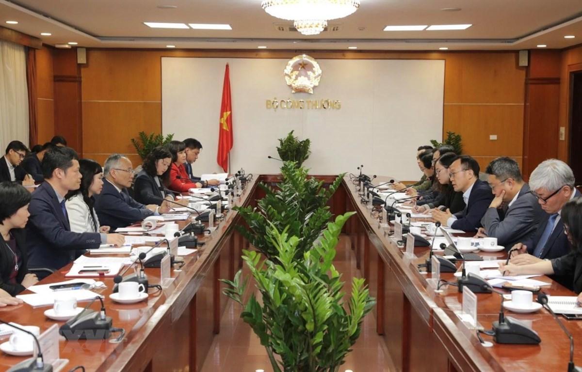 Một buổi tọa đàm thúc đẩy hợp tác thương mại Việt Nam-Hàn Quốc. (Ảnh: Trần Việt/TTXVN)
