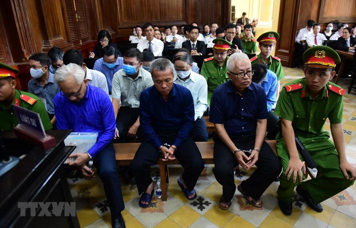 Các bị cáo tại phiên tòa ngày 23/6. (Ảnh: Thành Chung/TTXVN)