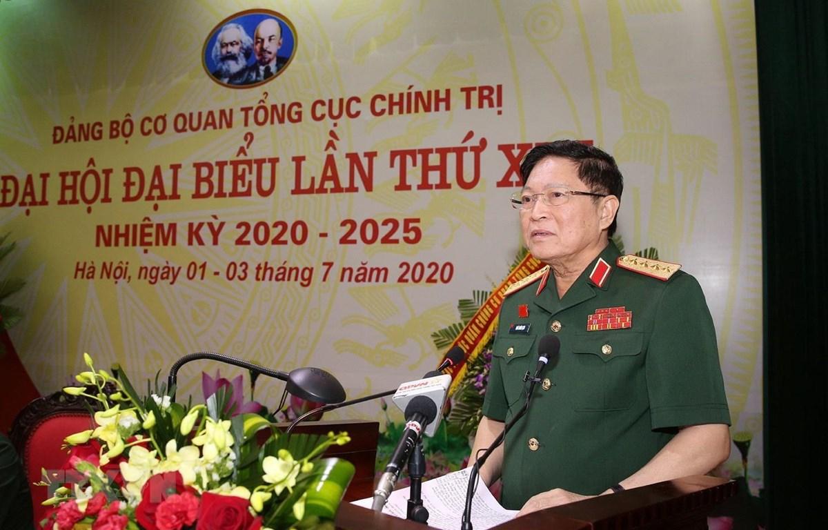 Đại tướng Ngô Xuân Lịch, Ủy viên Bộ Chính trị, Phó Bí thư Quân ủy Trung ương, Bộ trưởng Bộ Quốc phòng phát biểu chỉ đạo. (Ảnh: Dương Giang/TTXVN)