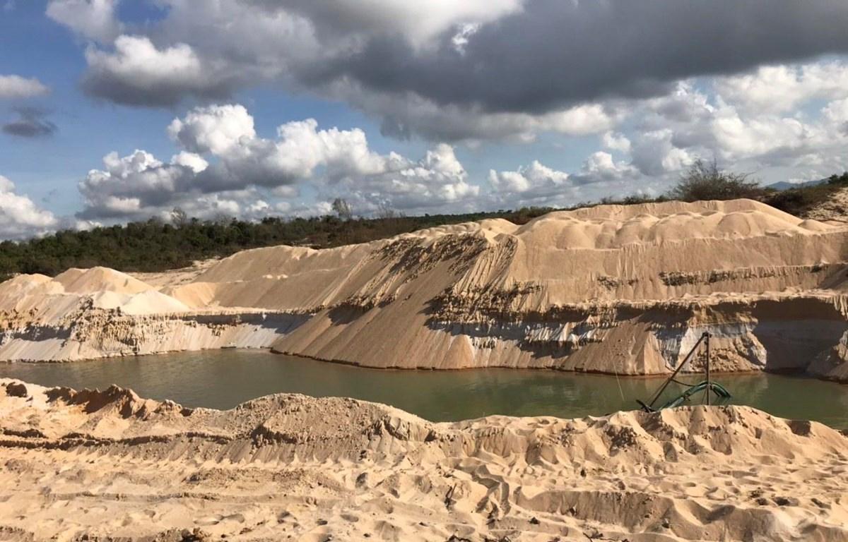 Hiện trường khai thác khoáng sản làm vật liệu xây dựng tại dự án Khu du lịch nghỉ dưỡng Free Land, xã Bình Châu, huyện Xuyên Mộc, tỉnh Bà Rịa-Vũng Tàu ngày 11/5 vừa qua. (Ảnh: Tư liệu/TTXVN phát)