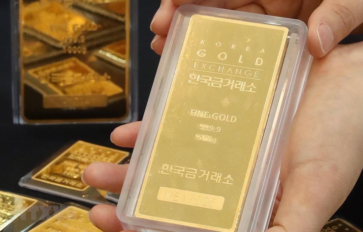 Vàng miếng tại sàn giao dịch vàng ở Seoul của Hàn Quốc. (Ảnh: Yonhap/TTXVN)