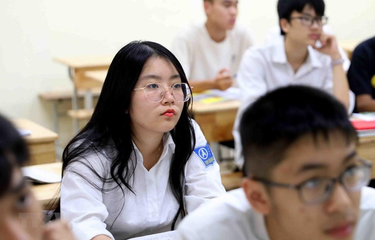 Học sinh chuẩn bị thi tốt nghiệp Trung học phổ thông. (Ảnh: Thanh Tùng/TTXVN)