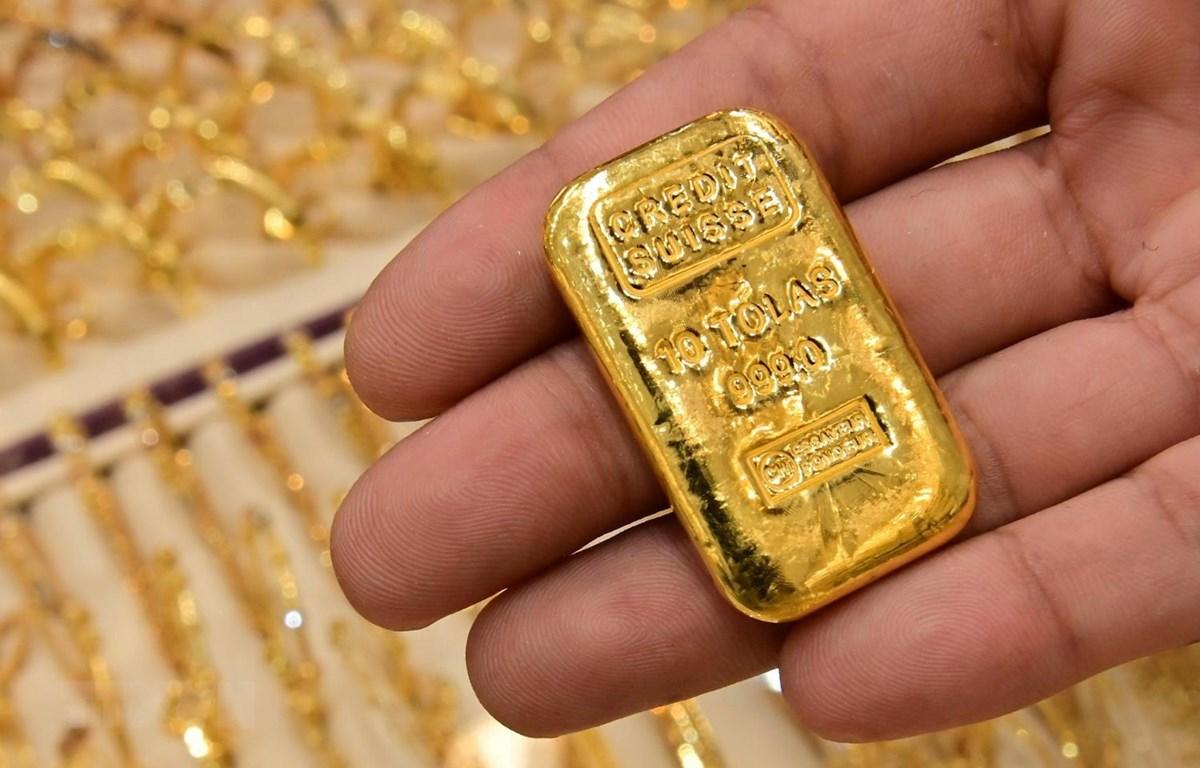 Vàng miếng được bán tại Dubai của UAE. (Ảnh: AFP/TTXVN)