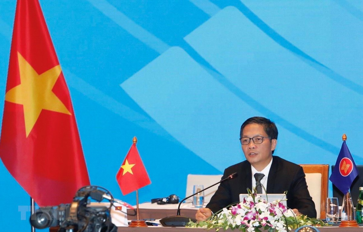 Bộ trưởng Trần Tuấn Anh chủ trì hội nghị tại đầu cầu Hà Nội. (Ảnh: Trần Việt/TTXVN)
