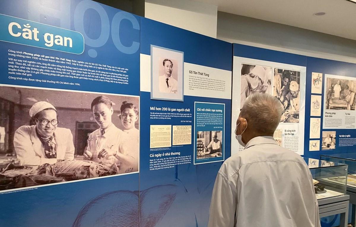 Khu trưng bày triển lãm về Giáo sư Tôn Thất Tùng. (Nguồn: most.gov.vn)