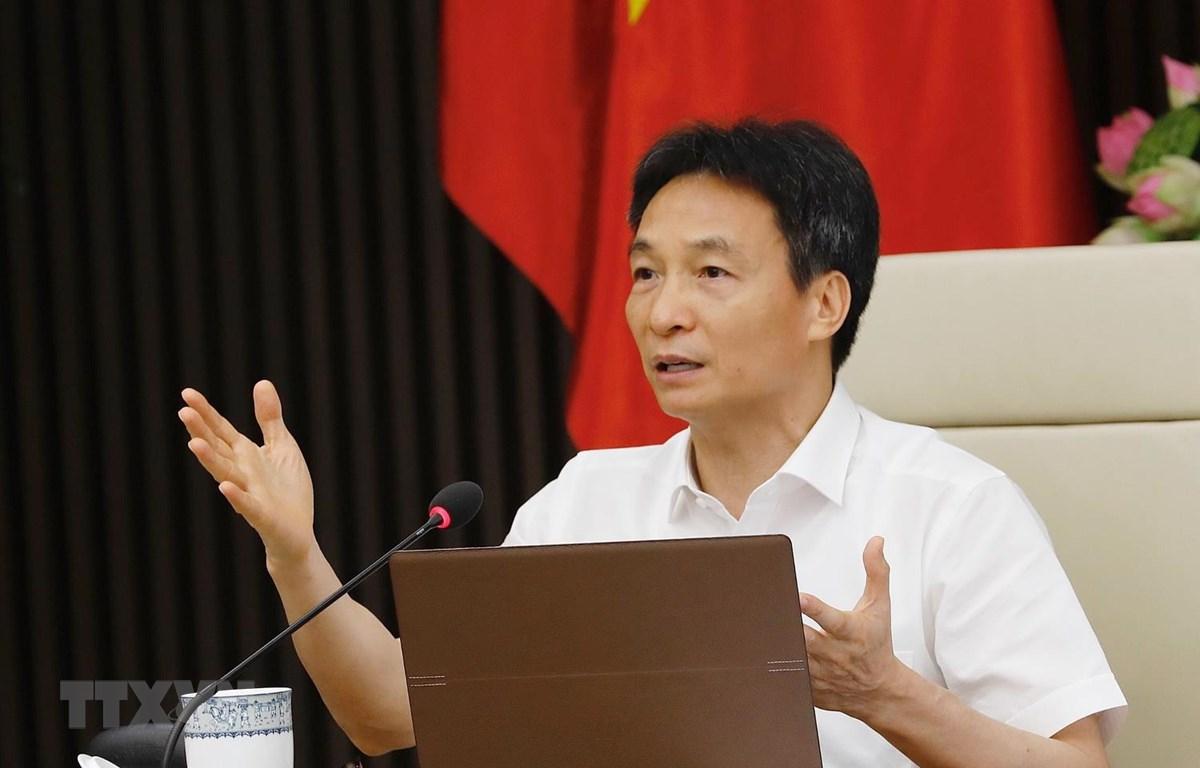 Phó Thủ tướng, Trưởng Ban Chỉ đạo Quốc gia phòng, chống dịch bệnh COVID-19 chủ trì cuộc họp. (Ảnh: Dương Giang/TTXVN)