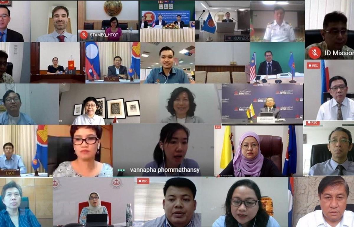 Cuộc họp lần thứ 3 về Cơ chế giám sát, kiểm điểm và đánh giá (MRE) Kế hoạch Tổng thể Kết nối ASEAN (MPAC) 2025 đã diễn ra theo hình thức trực tuyến vào ngày 8/9 dưới sự chủ trì của Đại sứ Trần Đức Bình, Trưởng Phái đoàn Việt Nam tại ASEAN. (Ảnh: TTXVN phá