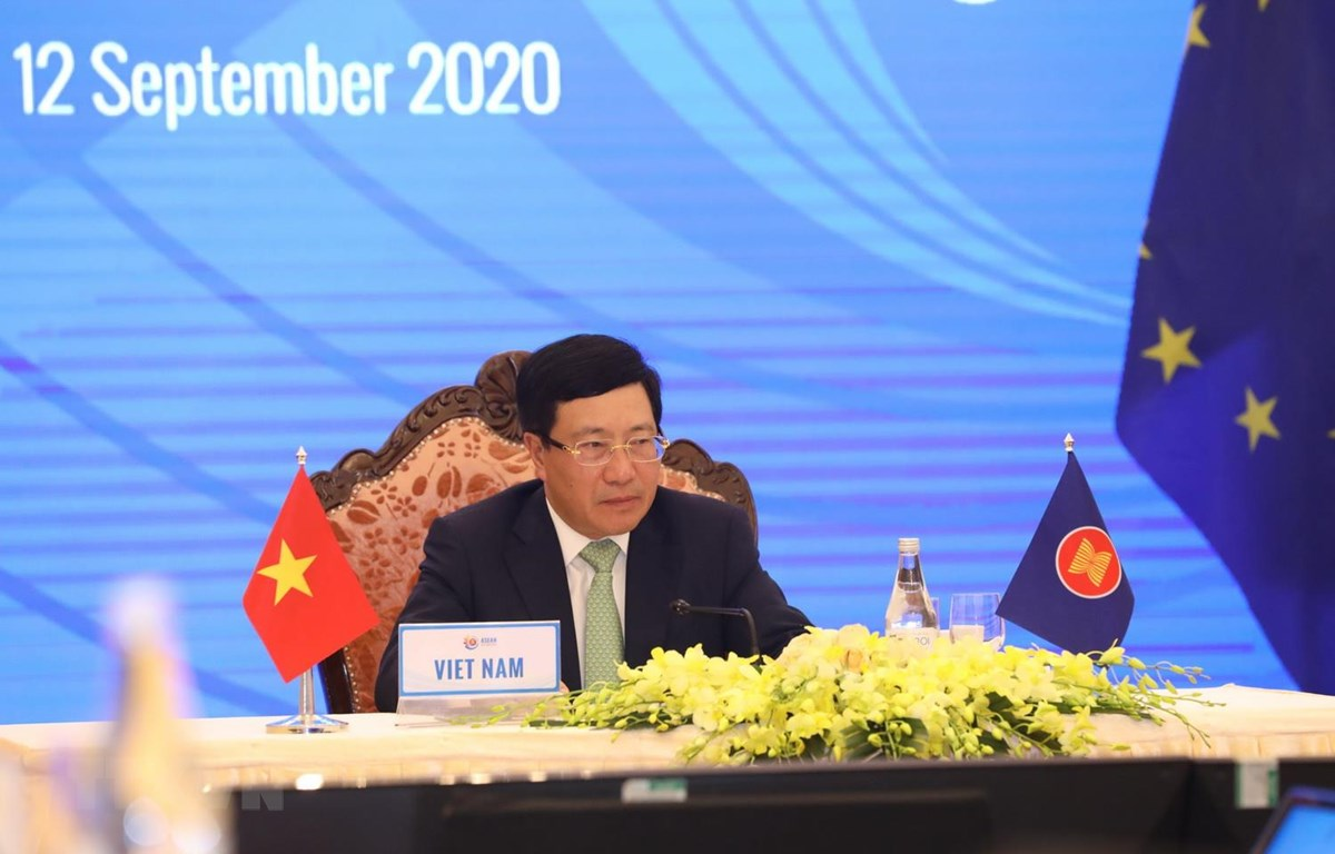 Phó Thủ tướng, Bộ trưởng Ngoại giao Phạm Bình Minh chủ trì Hội nghị Bộ trưởng Ngoại giao ASEAN-EU. (Ảnh: Văn Điệp/TTXVN)