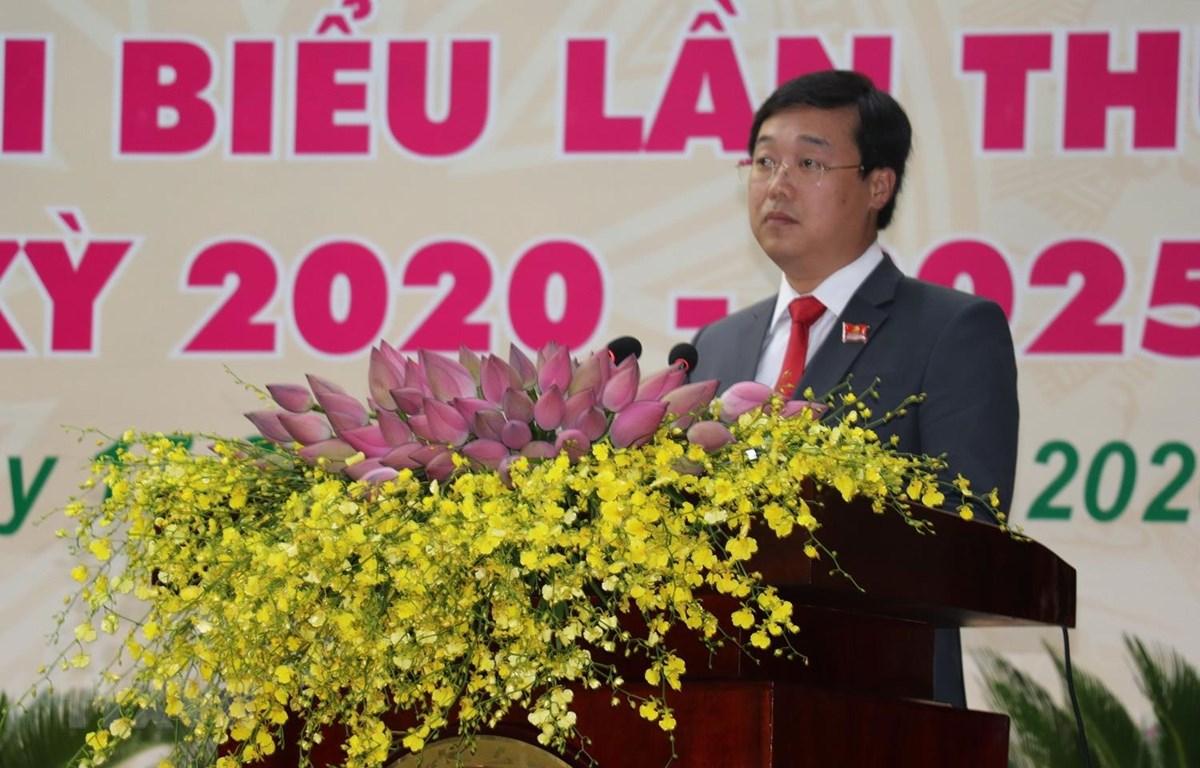 Ông Lê Quốc Phong, Ủy viên dự khuyết Ban Chấp hành Trung ương Đảng, Bí thư Tỉnh ủy tỉnh Đồng Tháp là Bí thư trẻ nhất thế hệ 7X. (Ảnh: Nguyễn Văn Trí/TTXVN)