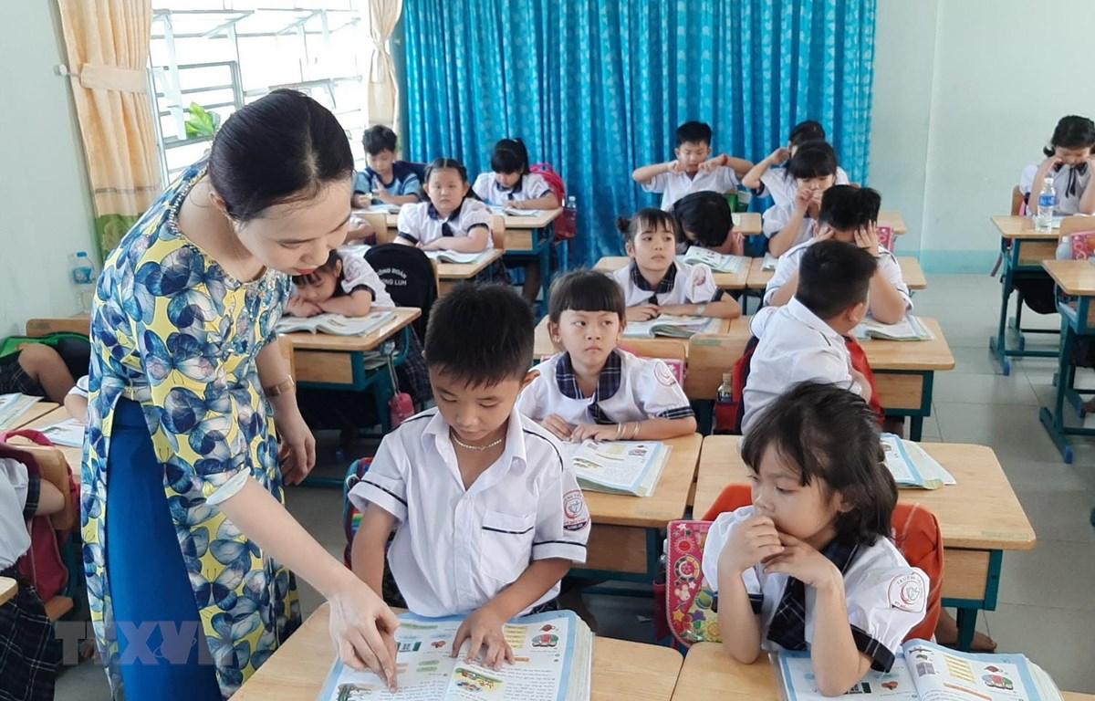Lớp học mới khang trang của trường Tiểu học thị trấn Bến Lức, huyện Bến Lức được đưa vào sử dụng năm học 2020- 2021 kịp thời đáp ứng hương trình đổi mới sách giáo khoa lớp 1. (Ảnh: Đức Hạnh/TTXVN)