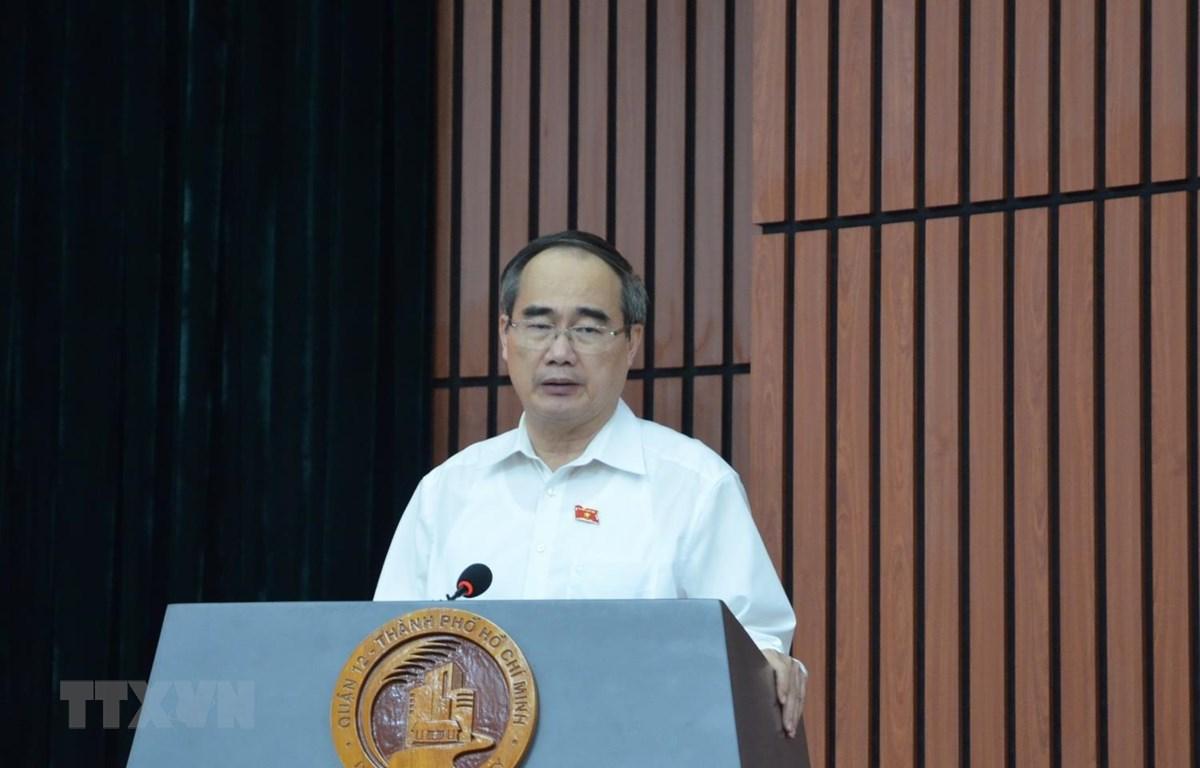 Ông Nguyễn Thiện Nhân, Ủy viên Bộ Chính trị trả lời ý kiến cử tri. (Ảnh: Thu Hương/TTXVN)