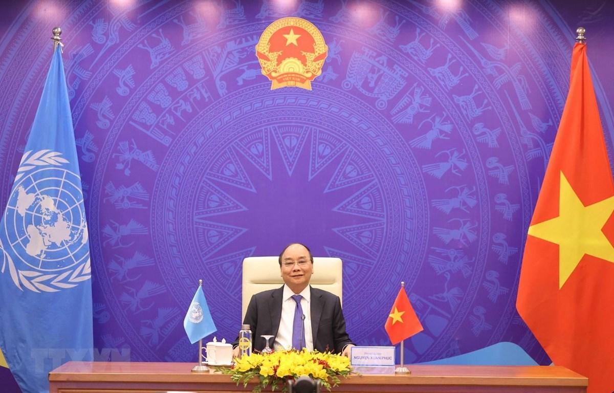 Thủ tướng Chính phủ Nguyễn Xuân Phúc phát biểu tại điểm cầu Hà Nội. (Ảnh: Thống Nhất/TTXVN)