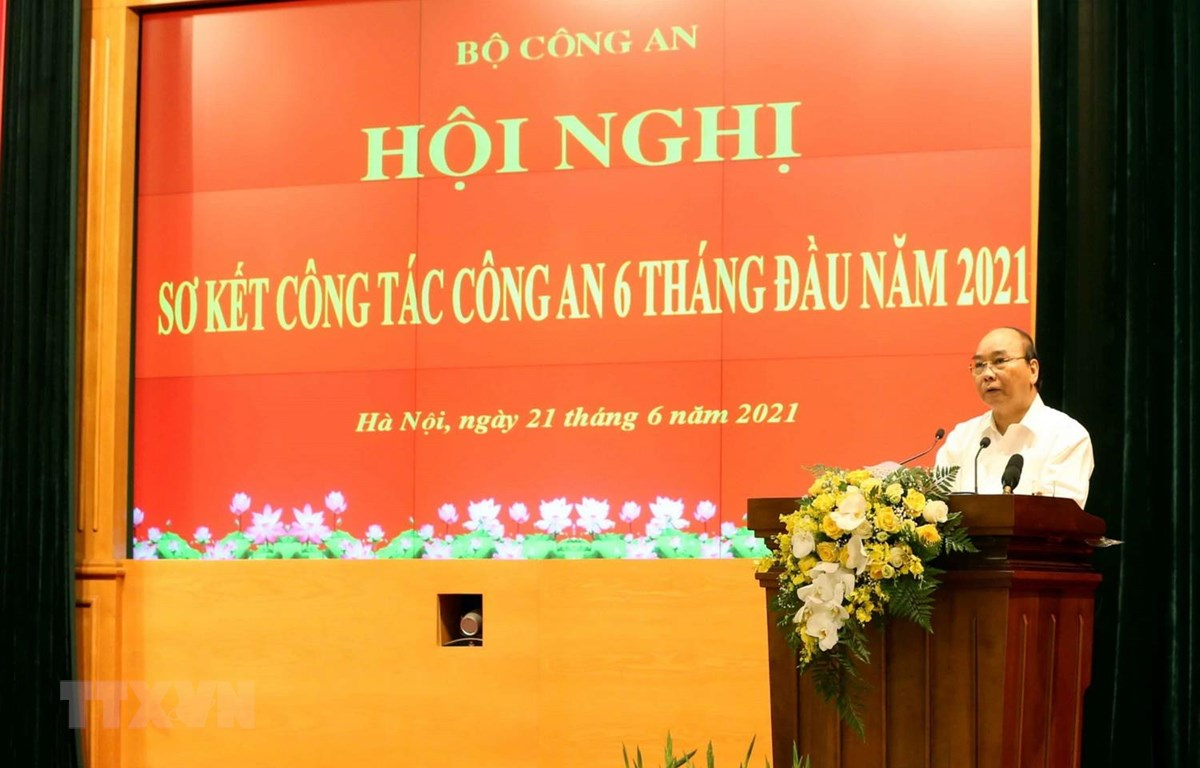 Chủ tịch nước Nguyễn Xuân Phúc phát biểu chỉ đạo hội nghị. (Ảnh: Phạm Kiên/TTXVN)