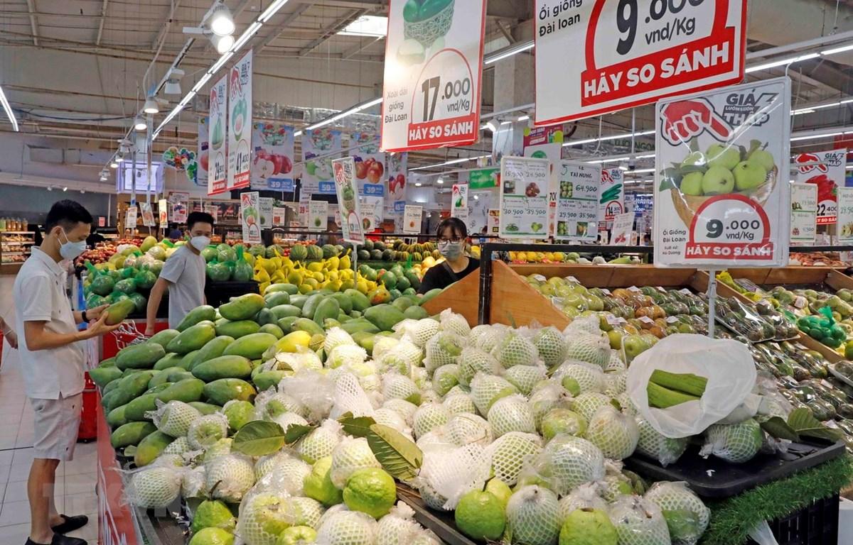Hàng hóa tại siêu thị. (Ảnh: Trần Việt/TTXVN)