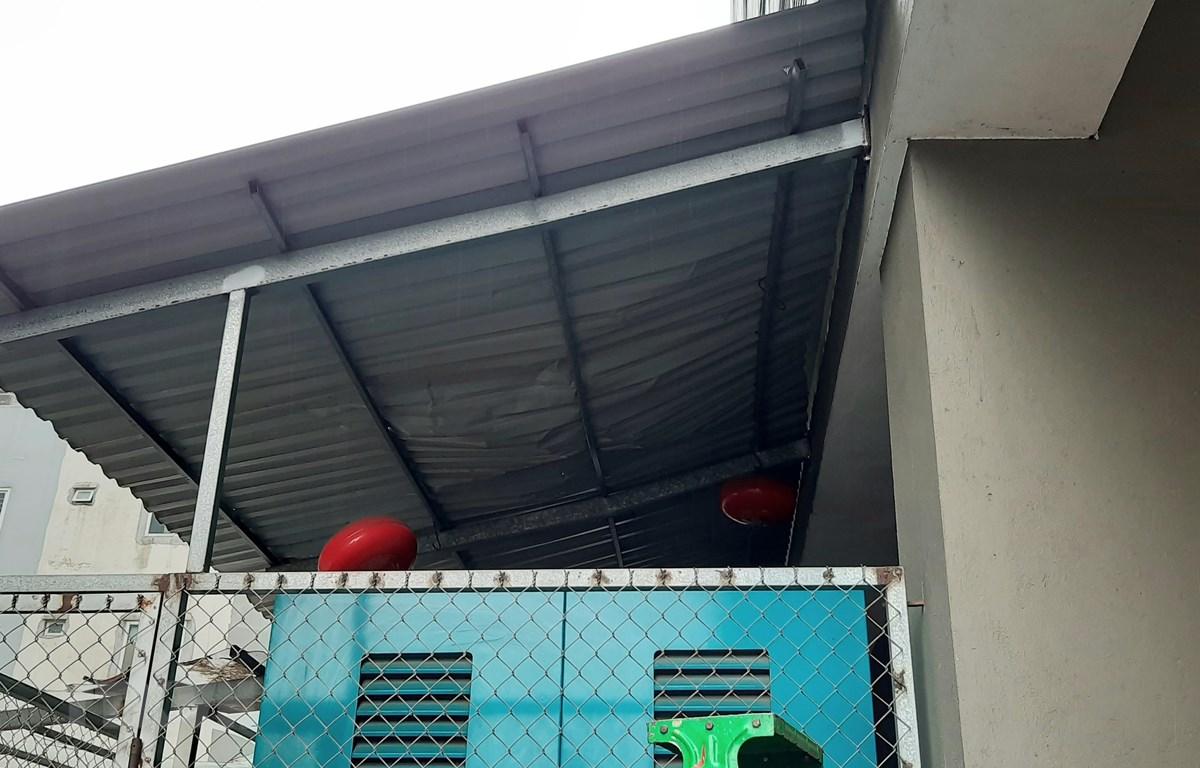 Hiện trường nơi xảy ra vụ bé gái 3 tuổi rơi từ tầng 12A tòa nhà 60B Nguyễn Huy Tưởng, Hà Nội. (Ảnh: Doãn Tấn/TTXVN)
