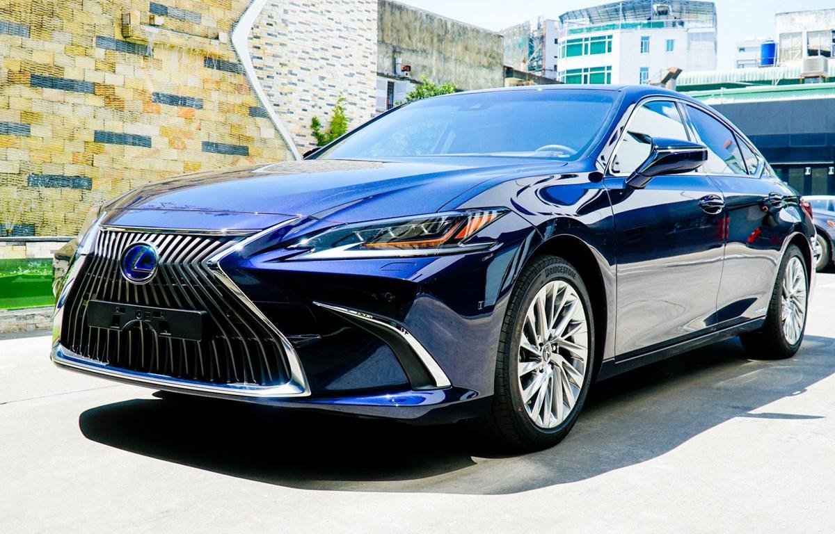 Ngoại hình Lexus ES 300h phiên bản mới. (Ảnh nguồn: TMV)