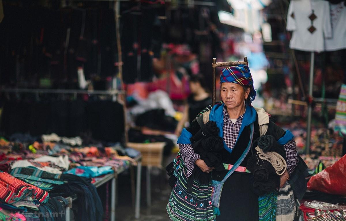 """Bộ trưởng Bộ Văn hóa, Thể thao và Du lịch đã phê duyệt đề án """"Bảo tồn, phát huy trang phục truyền thống các dân tộc thiểu số Việt Nam trong giai đoạn hiện nay."""" (Ảnh minh họa: Vietnam+)"""