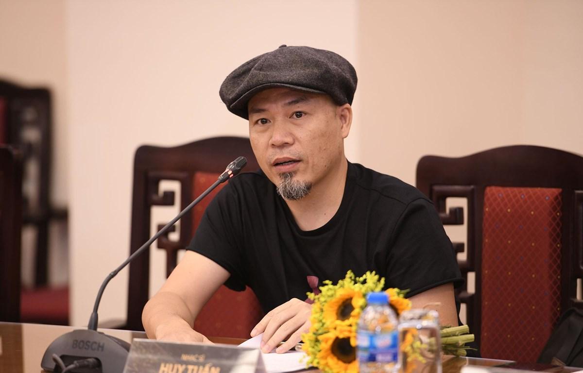 Nhạc sỹ Huy Tuấn tại Lễ công bố Danh sách đề cử Giải Âm nhạc Cống hiến lần thứ 14. (Ảnh: PV/Vietnam+)