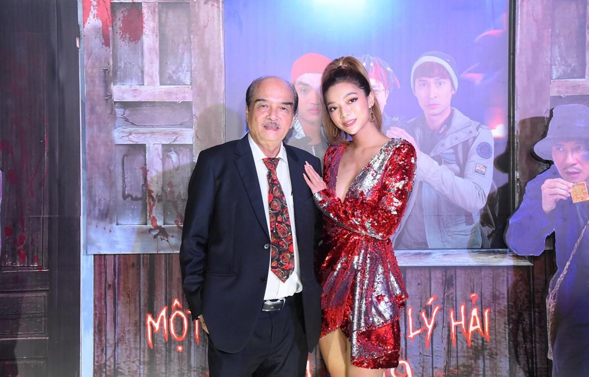 Hai cha con chưởng môn Vịnh Xuân Nam Anh và Katleen Phan Võ tại sự kiện. (Ảnh: PV/Vietnam+)