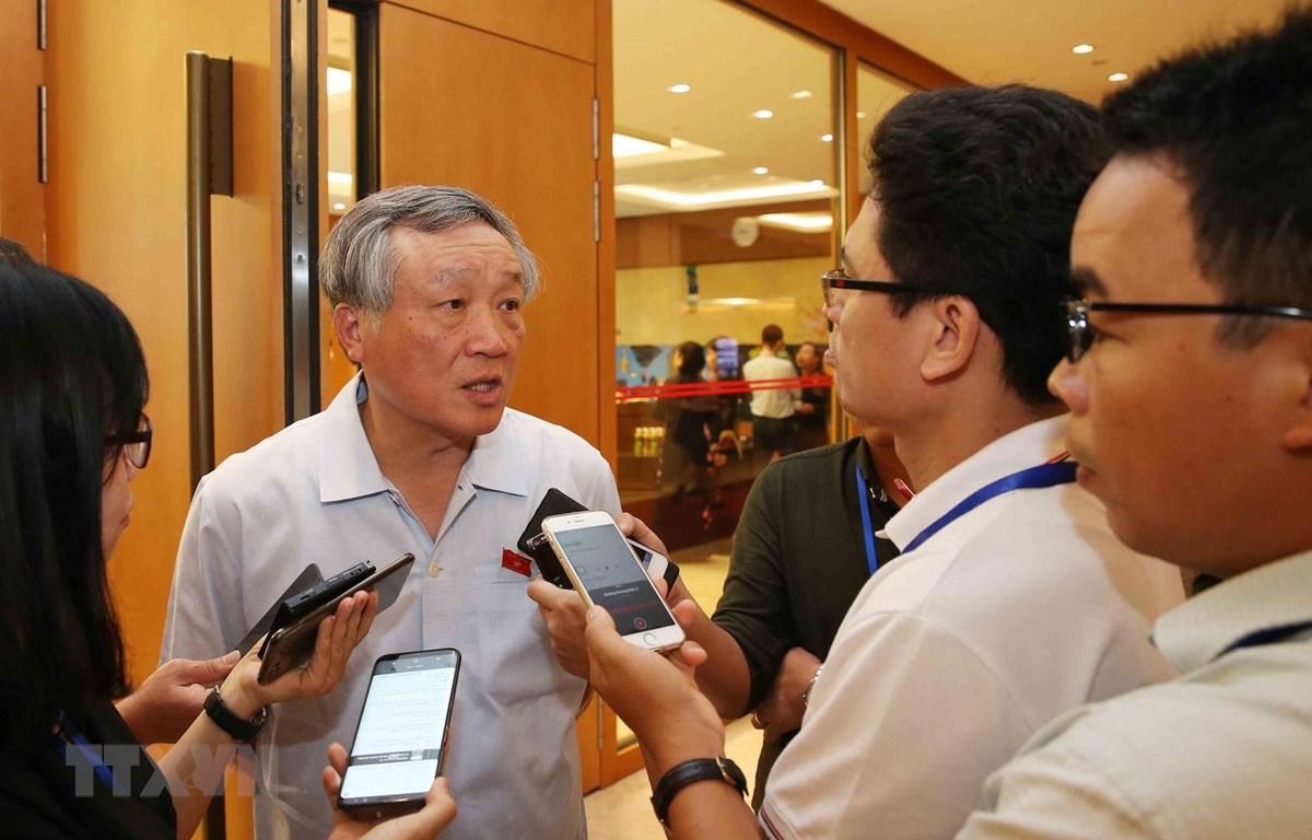 Chánh án Tòa án Nhân dân Tối cao Nguyễn Hòa Bình trao đổi với báo chí sáng 17/5 bên lề Kỳ họp thứ bảy - Quốc hội khóa XIV.