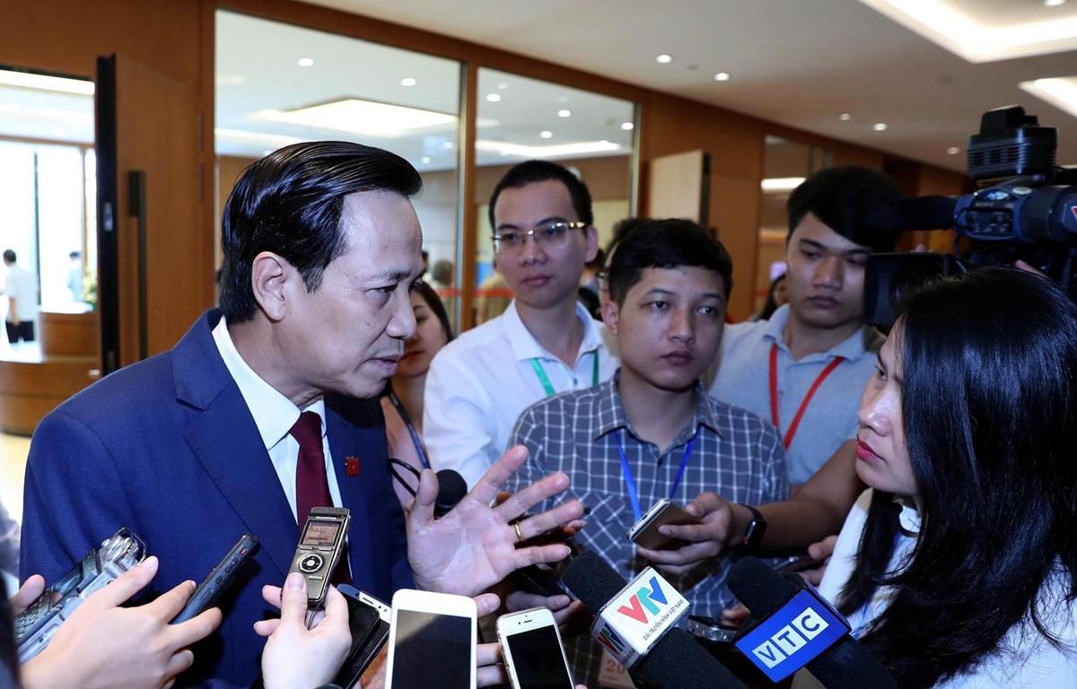 Bộ trưởng Bộ Lao động, Thương binh và Xã hội trả lời báo chí sáng 29/5 bên lề Kỳ họp thứ bảy - Quốc hội khóa XIV.