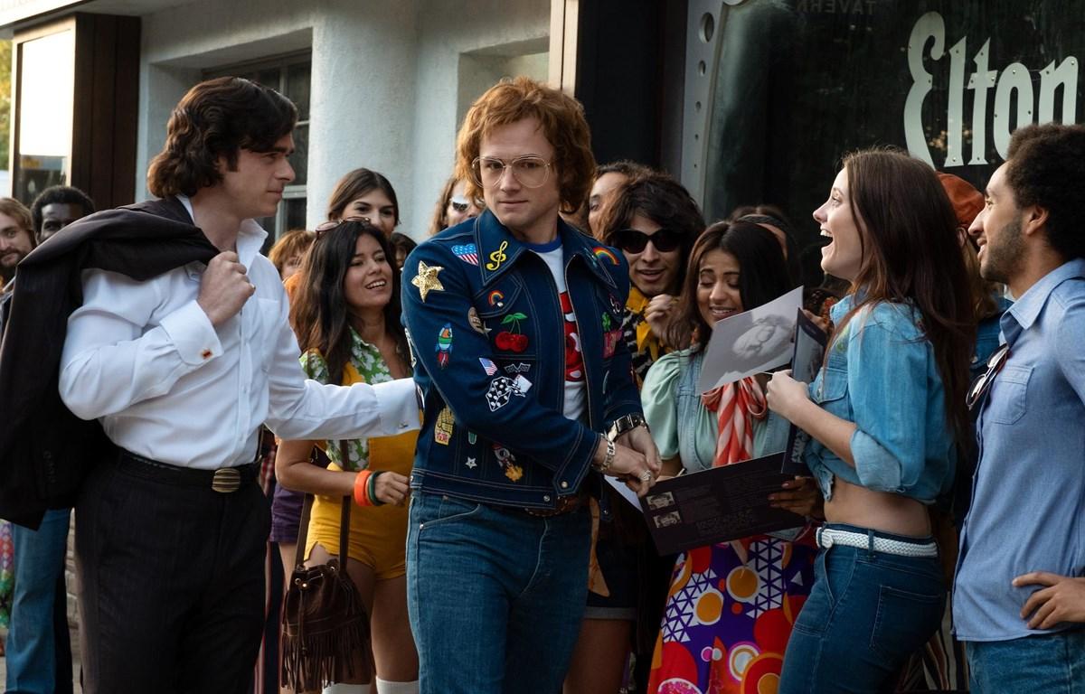 Phim tái hiện sự nghiệp âm nhạc của huyền thoại Elton John. (Ảnh: CJ)