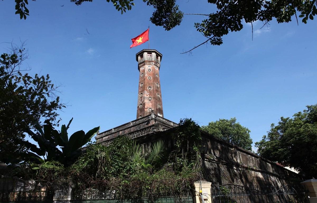 """Cột cờ Hà Nội - một """"chứng nhân"""" của lịch sử Hà thành. (Ảnh: Minh Sơn/Vietnam+)"""