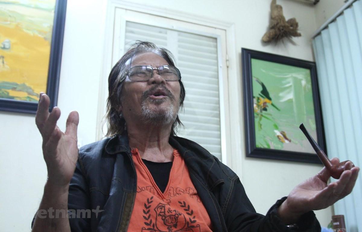 Sinh thời, tác giả Phan Vũ khẳng định mình là một nghệ sỹ đa tài với những cống hiến trên nhiều lĩnh vực. (Ảnh: Nguyễn Đình Toán/Vietnam+)