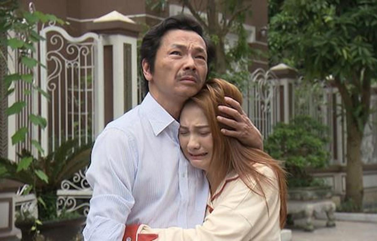 Diễn xuất của nghệ sỹ ưu tú Trung Anh và diễn viên Bảo Thanh khi vào vai hai bố con gây xúc động mạnh với người xem. (Ảnh: VFC)