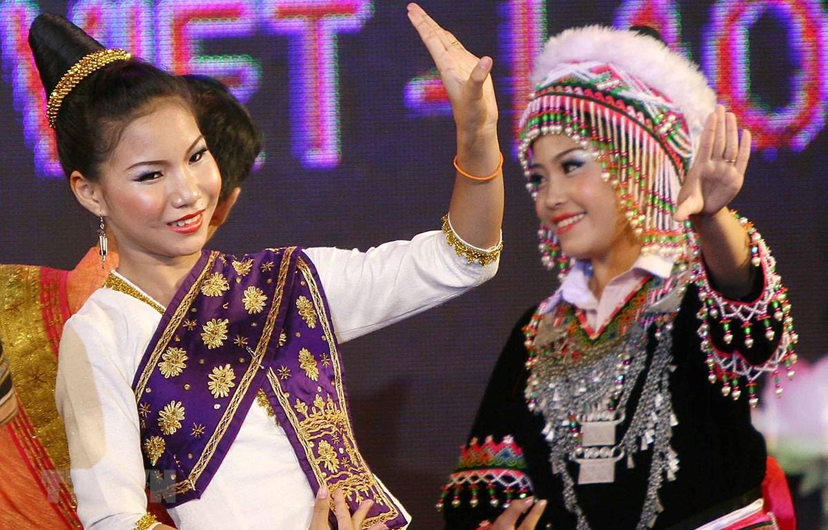 """Đây là lần thứ hai Bộ Thông tin và Truyền thông tổ chức chương trình """"Thắm tình hữu nghị đặc biệt Việt Nam-Lào."""" (Ảnh minh họa: TTXVN)"""