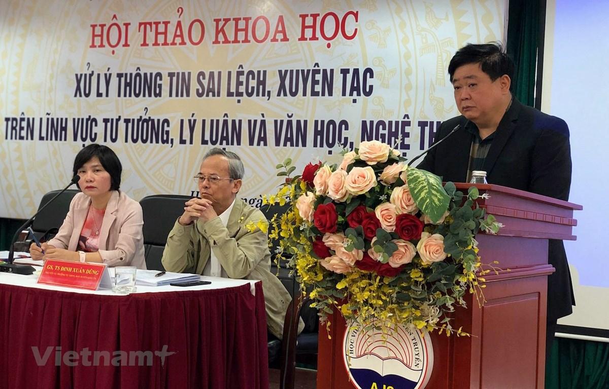 Ông Nguyễn Thế Kỷ phát biểu tại hội thảo. (Ảnh: P. Mai/Vietnam+)