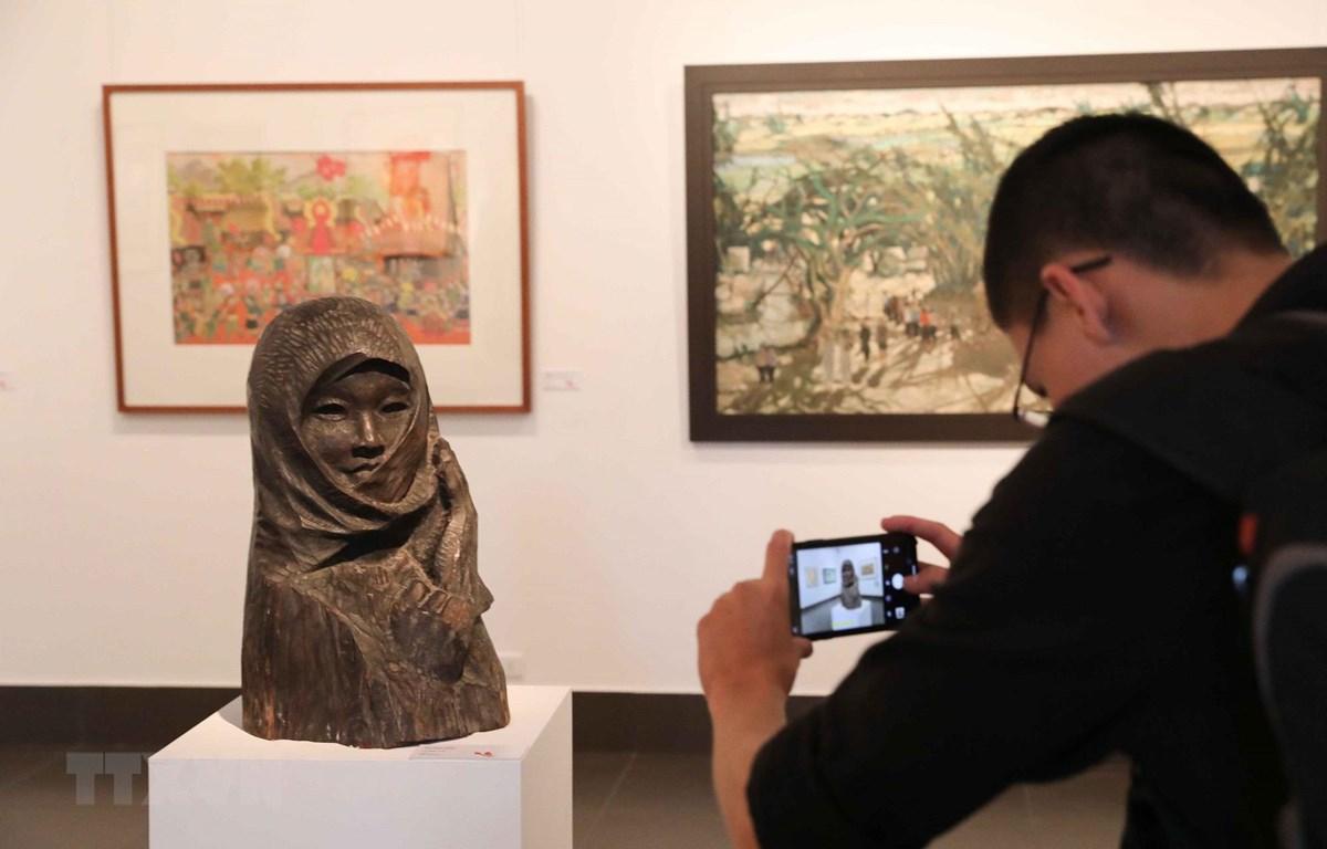 Từ năm 2020, Triển lãm mỹ thuật Việt Nam được tổ chức định kỳ 3 năm/lần. (Ảnh minh họa: TTXVN)